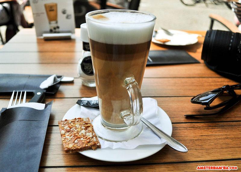 Amsterdamda_Kahve