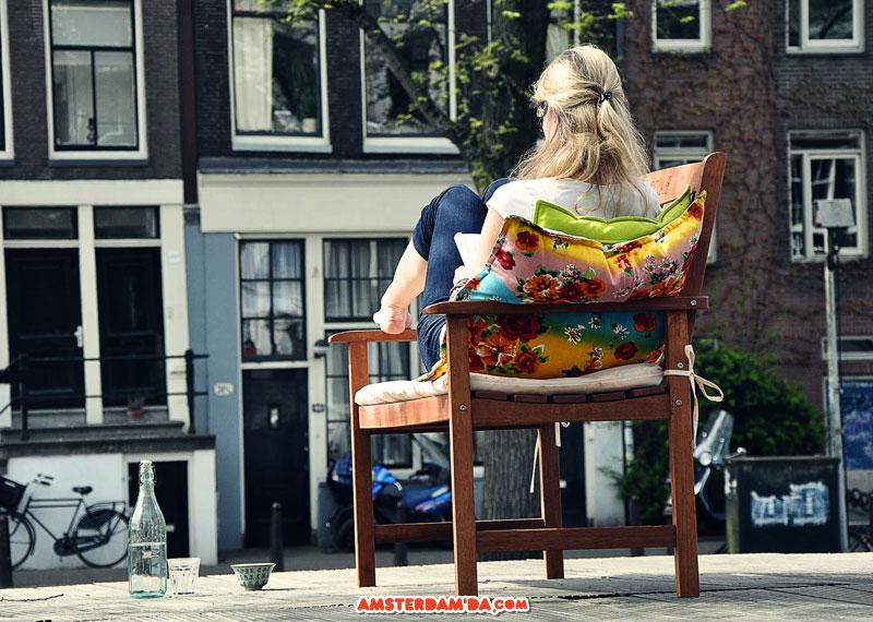 Amsterdamda güneşlenmek