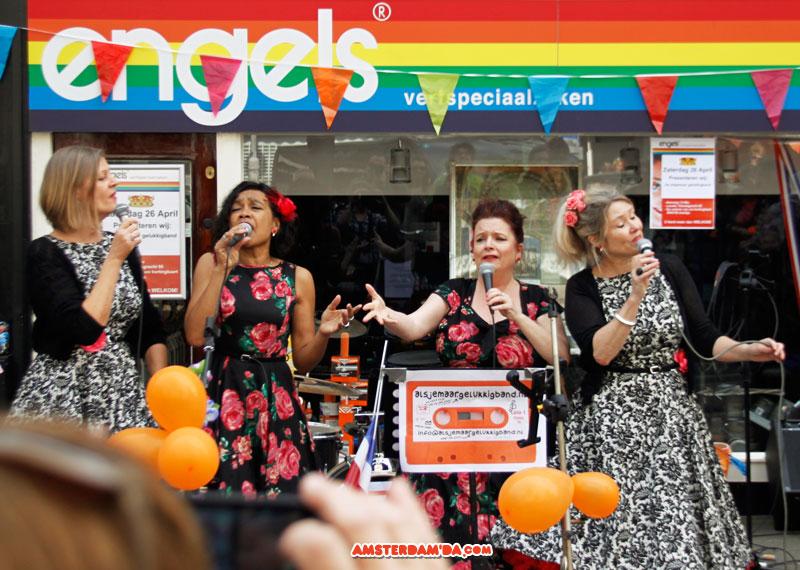 Jordaan şarkı söyleyen kadınlar