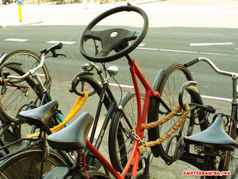 Sürüş rahatlığı düşünülerek modifiye edilmiş bir bisiklet. Fotoğraf sahibi Christian Strobl